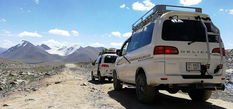 Vans in Kirghizistan en route to Tien Shan