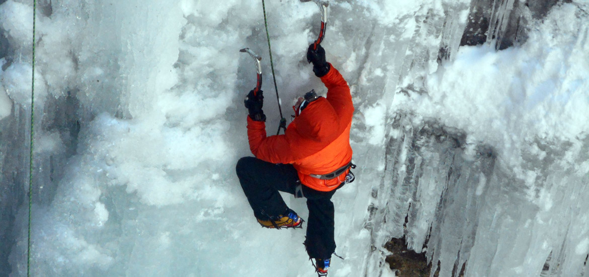 Ice climbing excursions and tours in Piedmont
