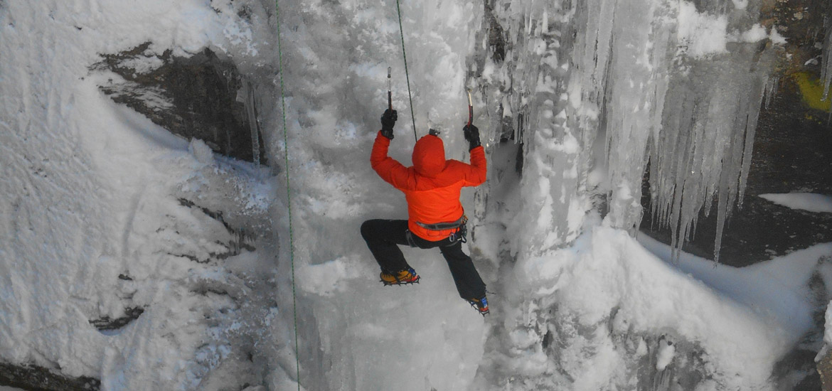 Ice climbing excursions and tours near Turin