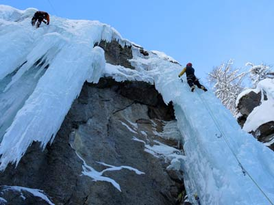 Ice Climbing in Italy - group excursions and tours