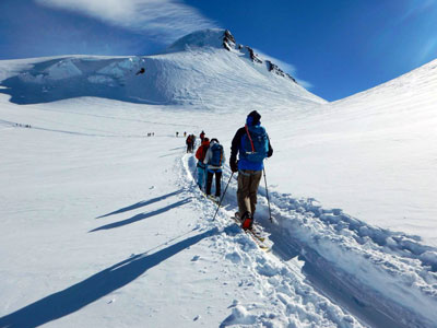 Backcountry skiing and freeride in Italy - group excursions and tours