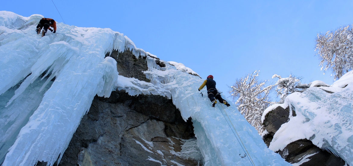 Ice climbing in the Alps of Italy: group tours and excursions
