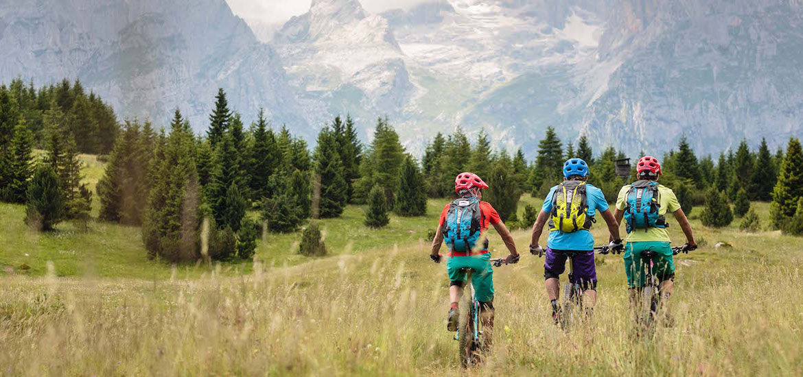 E-bike and mountain biking in the Alps of Italy: group tours and excursions