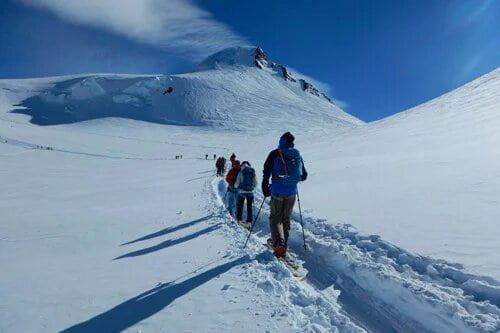 Skitouring and splitboarding experiences and tours