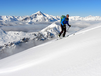 Ski touring and splitboarding experience with Alpine Guides