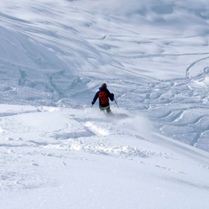 Off-piste skiing and snowboard freeriding tours and excursions in Italy