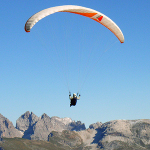 Paragliding experiences in Italy
