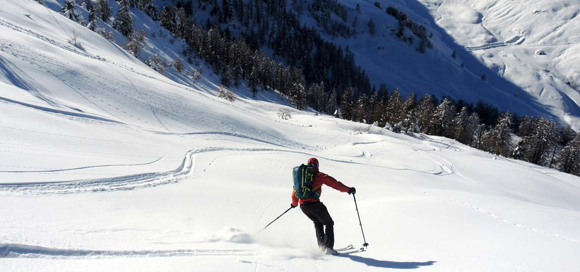 Ski touring and splitboard in Piemonte - excursion with mountain guide around Torino