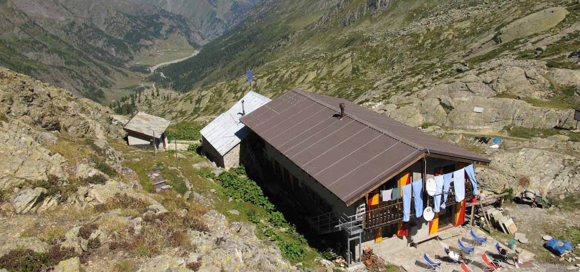 Trekking in Val Pellice: tour of the Alpine passes and mountain huts