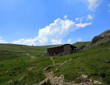 MTB e-bike tour Via del Sale - Don Barbera mountain hut