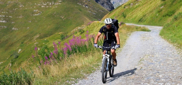 La Via del Sale in MTB - Tour Mountain Bike con guida in Piemonte e Valle d'Aosta