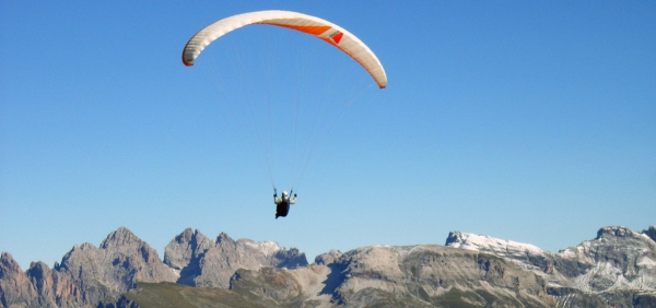 Paragliding day experience in Piedmont with expert instructors