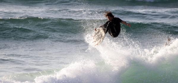 Surf house a ericeira yoga e surf in portogallo for Soggiorno portogallo